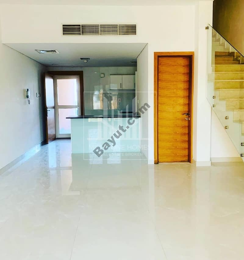 13 Lovely Unfurnished 3bed Townhouse in Lotus Park