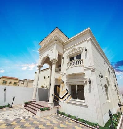 5 Bedroom Villa for Sale in Al Mowaihat, Ajman - Wonderful villa with luxurious decorations for sale at an attractive price
