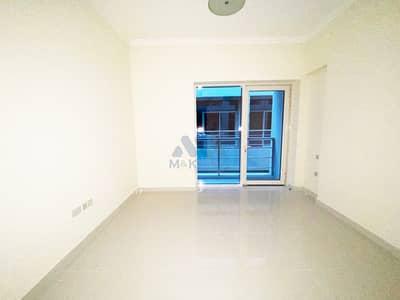 شقة 2 غرفة نوم للايجار في الكرامة، دبي - شقة في بناية وصل هب الكرامة 2 غرف 75000 درهم - 4897540