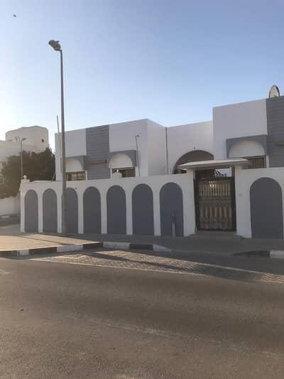 4 Bedroom Villa for Sale in Al Hazannah, Sharjah - Residential villa for sale in Al Hazannah- Sharjah