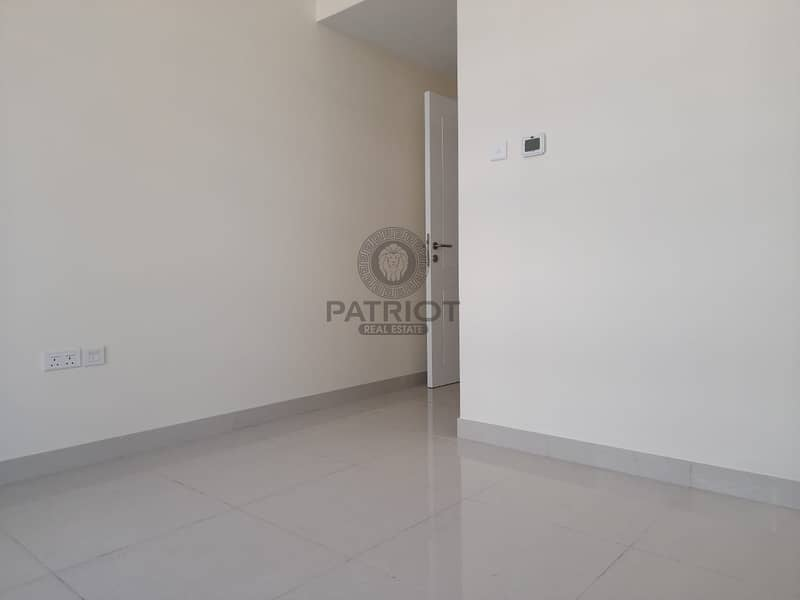 2 Marina view I Partial sea View I Road View I Unfurnished apartment for rent in Dubai Marina