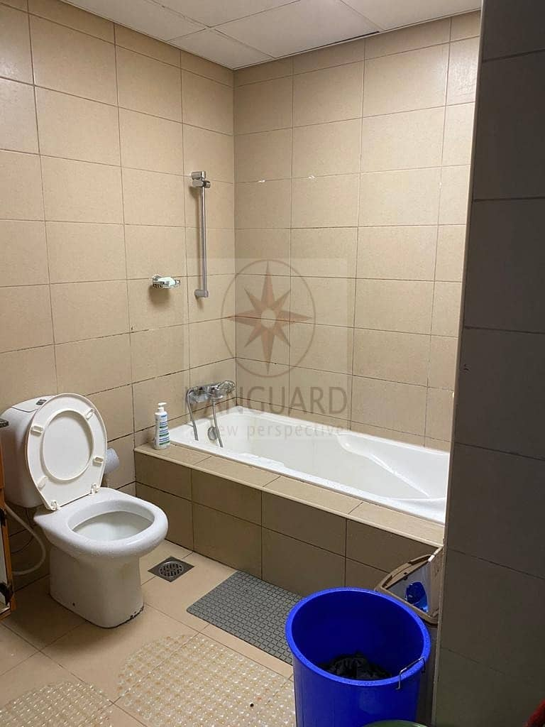 2 Large 1Bed with 1.5 Bathroom in Lakeside Residences Cluster A