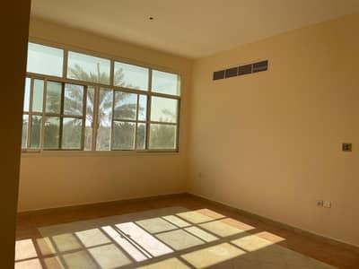 فلیٹ 2 غرفة نوم للايجار في فلج هزاع، العین - شقة في فلج هزاع 2 غرف 30000 درهم - 4899129