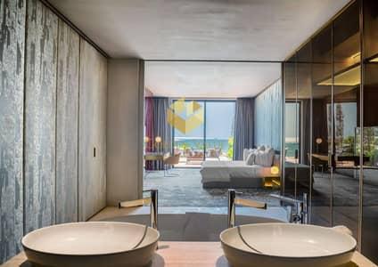 شقة فندقية 1 غرفة نوم للبيع في جزر العالم، دبي - Now Return Of Investment 100% - Stay Two Weeks Yearly - Luxury Lifestyle - Book Now