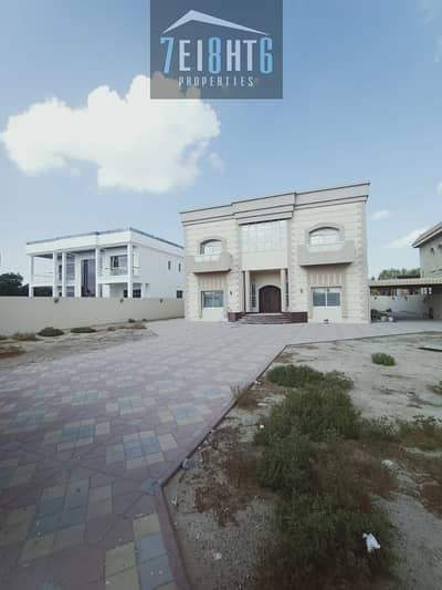 5 Bedroom Villa for Rent in Muhaisnah, Dubai - Outstanding quality: 5 b/r independent villa + maids room + LIFT  + Large garden for rent in Muhaisnah 3