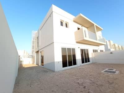 فیلا 3 غرف نوم للايجار في مدن، دبي - Single Row | 3 BR+Maid Semi-Detached | Very Near to Pool N Park