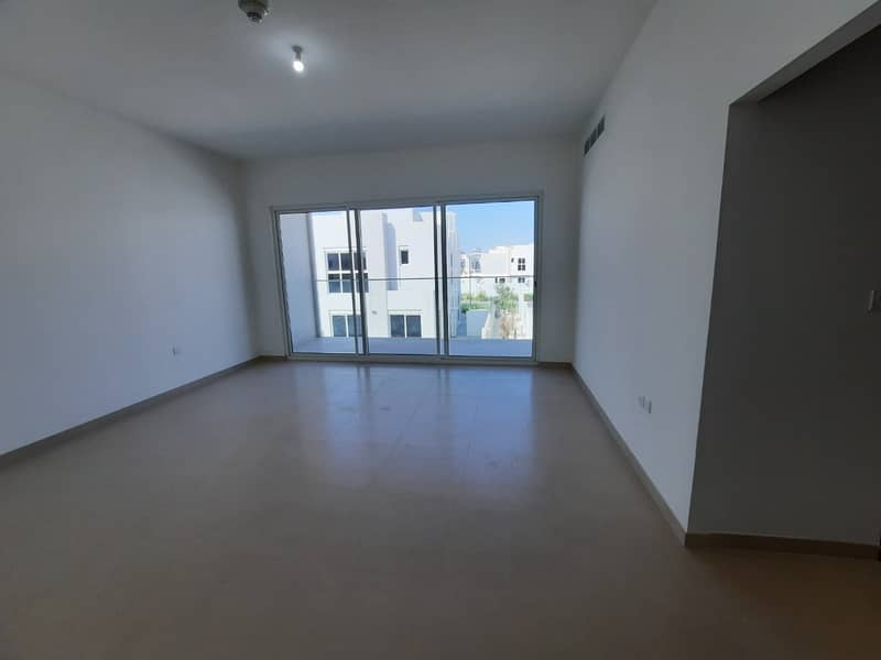 2 SEMI DETACHED 4 BR + MAIDS  FOR RENT IN ARABELLA 3