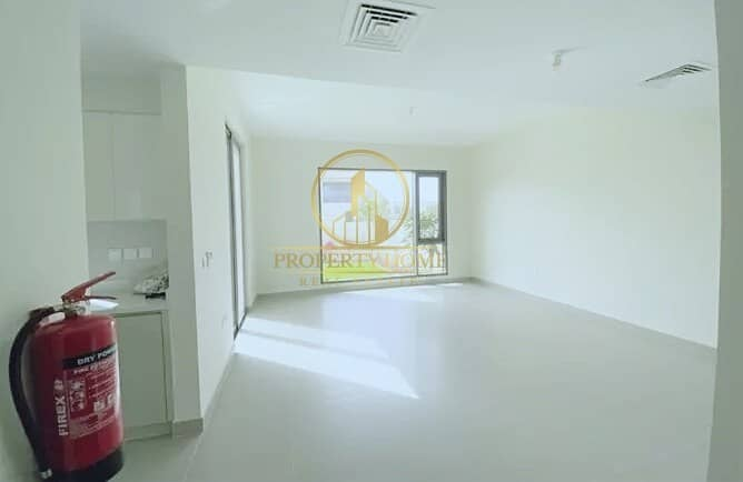 RESALE BRIGHT 3 BHK | RENTED | 2 MIN TO POOL