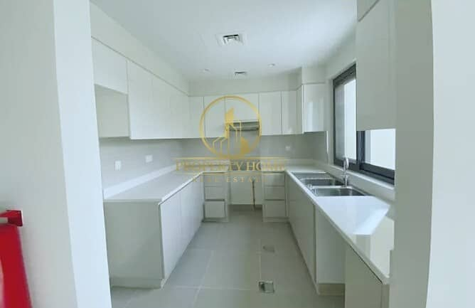 10 RESALE BRIGHT 3 BHK | RENTED | 2 MIN TO POOL