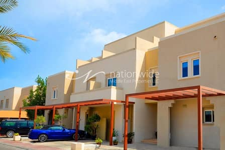 3 Bedroom Villa for Rent in Al Reef, Abu Dhabi - A Family-friendly Desert Style Single Row Villa