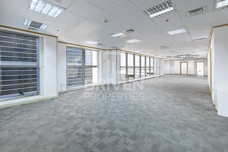 Office for Rent in Sheikh Zayed Road, Dubai - Nice Location | Carpet Floor | Well-kept