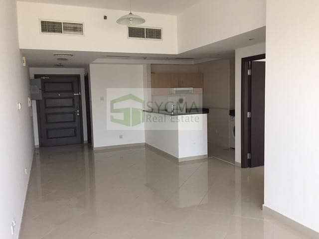 2 Chiller Free Amazing Lake View  Ready to Move in