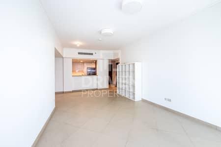 2 Bedroom Flat for Rent in Downtown Dubai, Dubai - Lovely 2 Bdr   Partial Burj Khalifa View