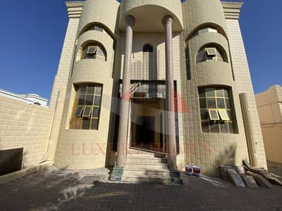 5 Bedroom Villa for Rent in Falaj Hazzaa, Al Ain - Highly Opulent Majestic look with Perfect finished