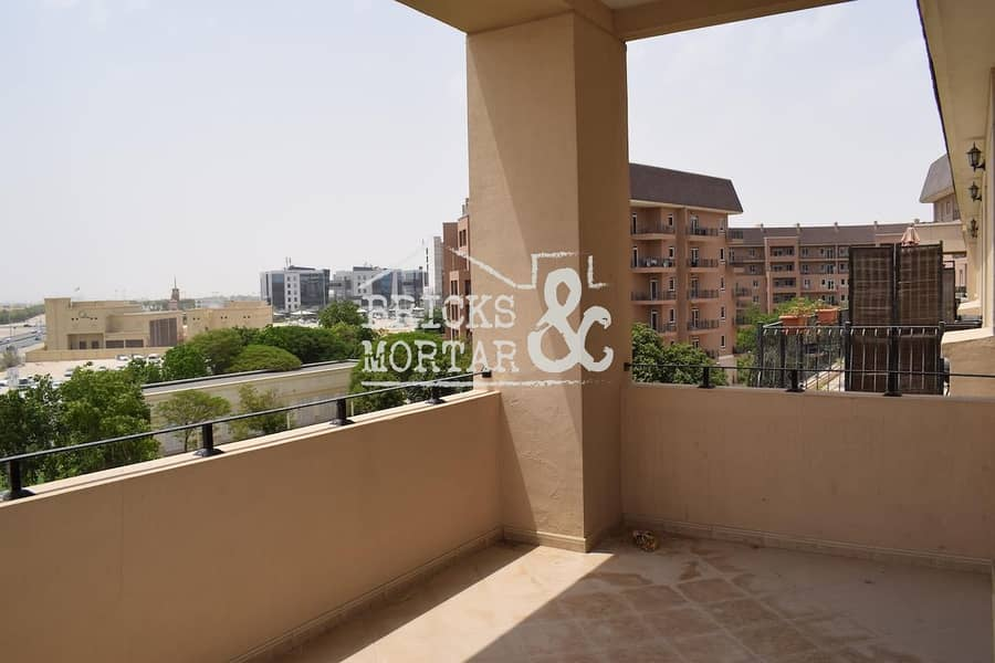 4 Cheques | Large apartment | Garden Views