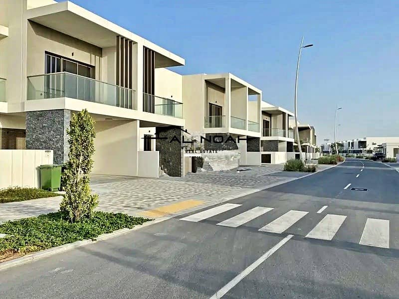2 Brand new! Hot for investment! Impeccable 3 bedroom in Yas Acres!