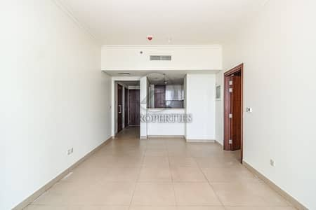 1 Bedroom Apartment for Rent in Downtown Dubai, Dubai - Natural Lighting | Sea View | Unfurnished | Ready