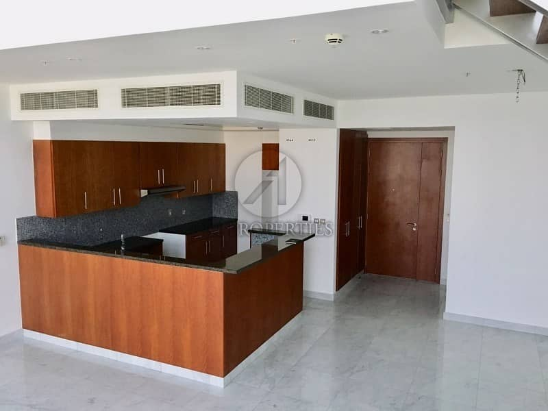 Duplex with appliances and Full Zabeel View