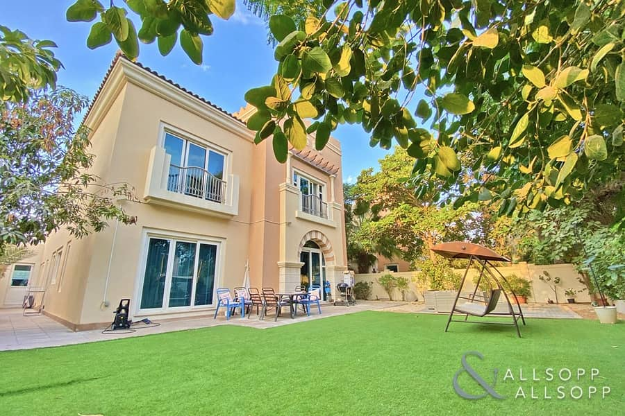 Park Backing   5 Bed C1 Villa   Well Located