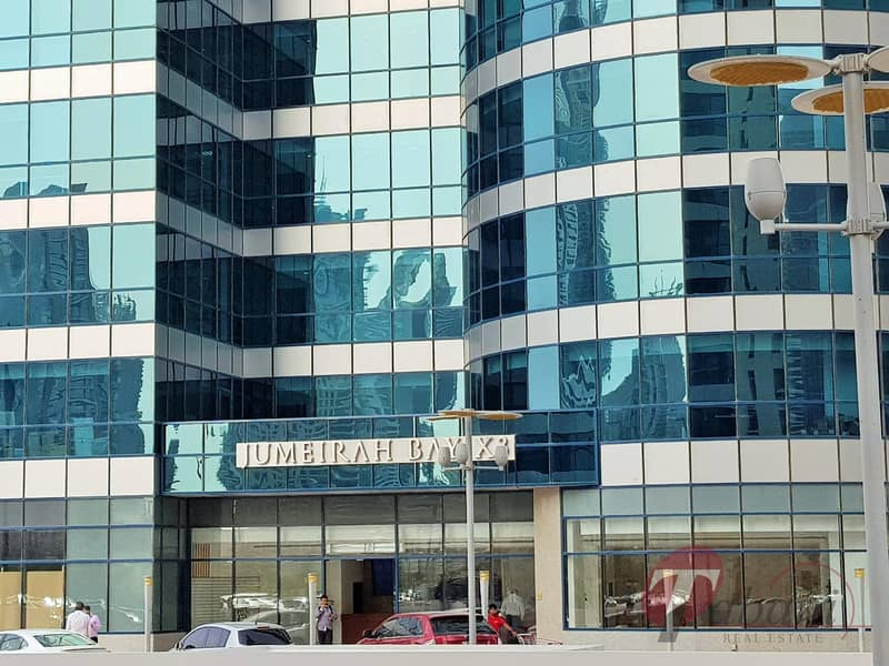 18 Higher floor office for sale with Sky and Golf View in Jumeirah Bay