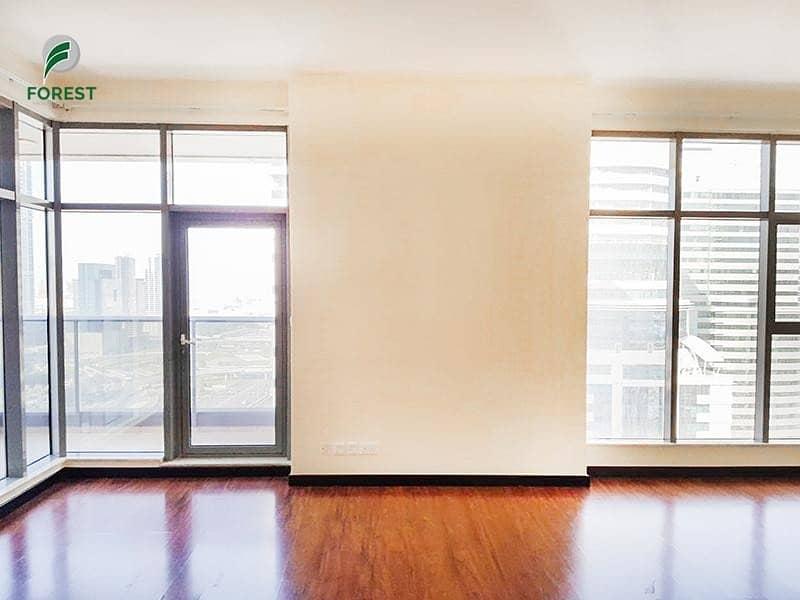 2 Spacious   1 BR Apartment   Full Marina View