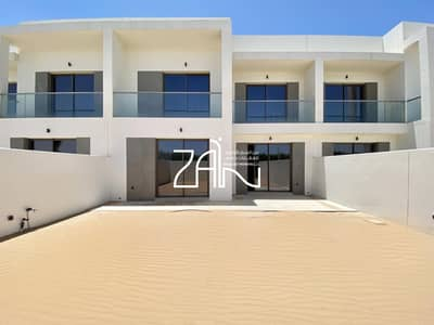 3 Bedroom Townhouse for Sale in Yas Island, Abu Dhabi - Single Row Superb 3 BR Type MA Ready For Handover