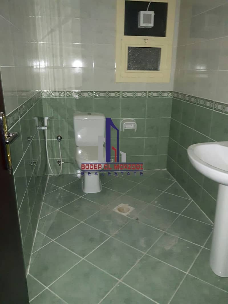 11 Luxury 2bhk with 3washroom with balcony rent 30k only in 6chqs