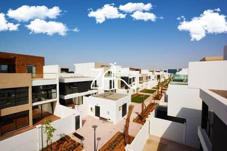 تاون هاوس 5 غرف نوم للبيع في شارع السلام، أبوظبي - Single Row! Spacious 5 BR TH with Private Garden