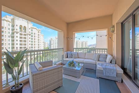 3 Bedroom Apartment for Rent in Palm Jumeirah, Dubai - Spectacular Stylish and Spacious 3 BR Holiday Home