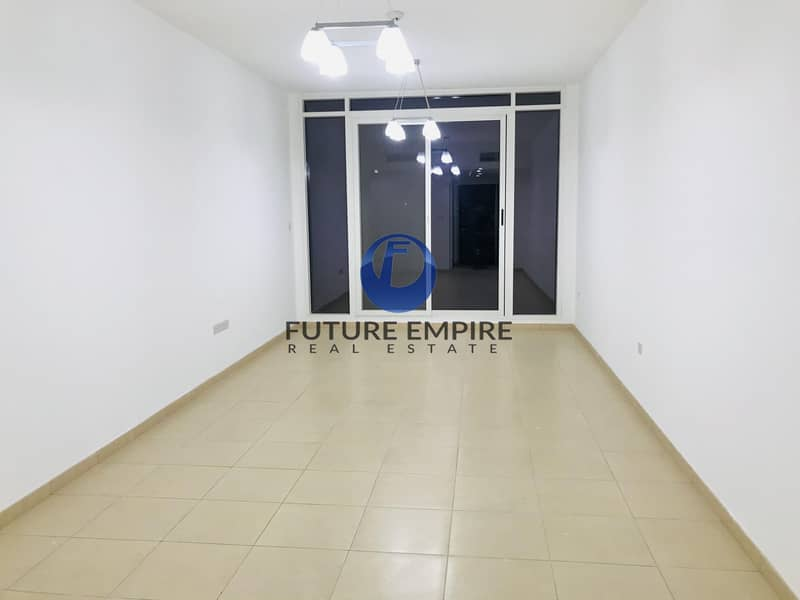 2 CHILLER FREE 2 MONTH FREE  SPACIOUS APPARTMENT