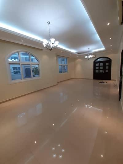 فیلا 5 غرف نوم للايجار في مدينة محمد بن زايد، أبوظبي - فیلا في مدينة محمد بن زايد 5 غرف 135000 درهم - 4904183