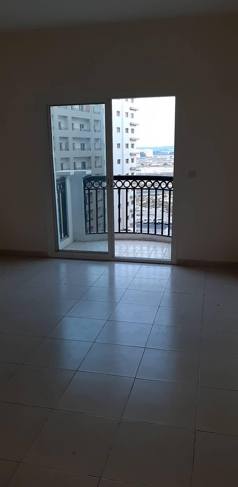 27k 4CHQ 1Bedroom In CBD Riviera Dream With Balcony