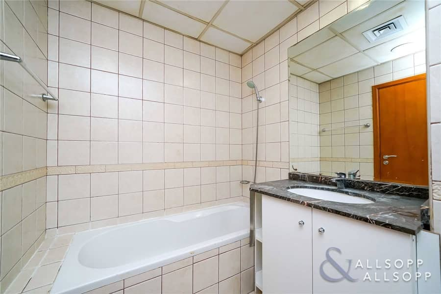 10 Close To Metro | Studio | Garden West