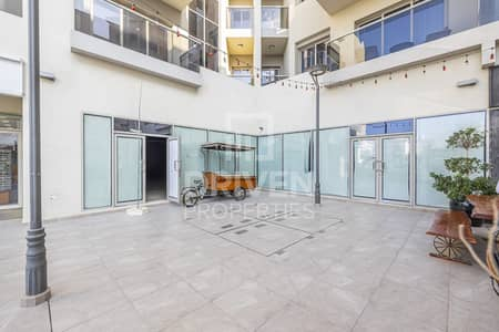 Shop for Rent in Umm Al Sheif, Dubai - Multiple Option Available | Large Retail