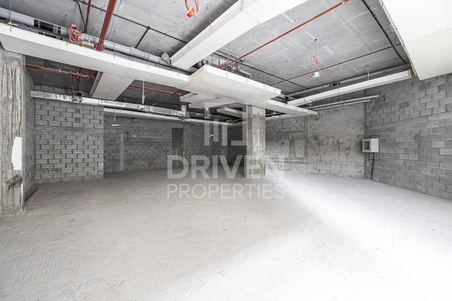 2 Multiple Option Available | Large Retail