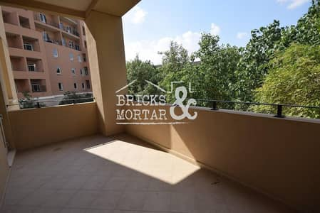 2 Bedroom Apartment for Rent in Motor City, Dubai - Separate Kitchen | Garden Views | Large apartment
