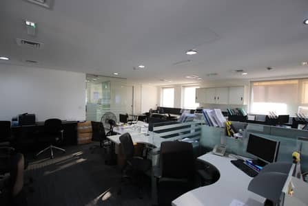 Office for Rent in Business Bay, Dubai - Fully Fitted Office High Floor Near Metro &Parking