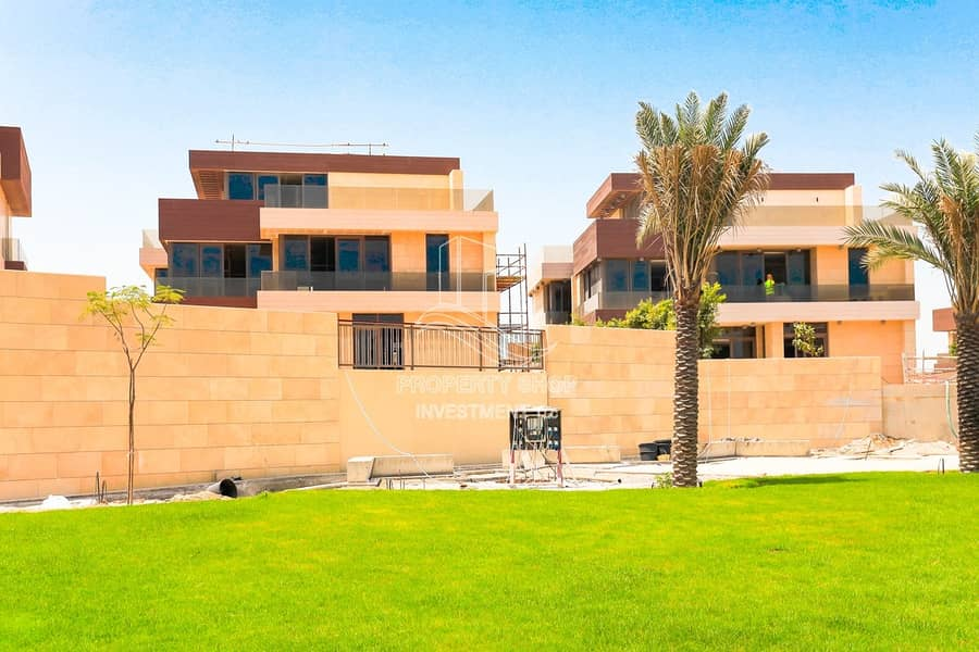 Lavish Villa |Private Pool |10Years Free Service Charge