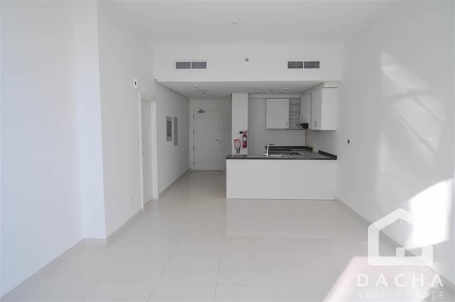 2 Motivated Seller l 2BR Apartment l Golf view