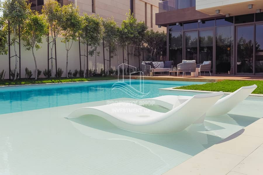 18 Stunningly Designed Luxurious Villa with New Concept & Pvt Pool!