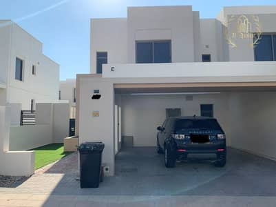 4 Bedroom Villa for Sale in Town Square, Dubai - 4 rooms corner at a great price.