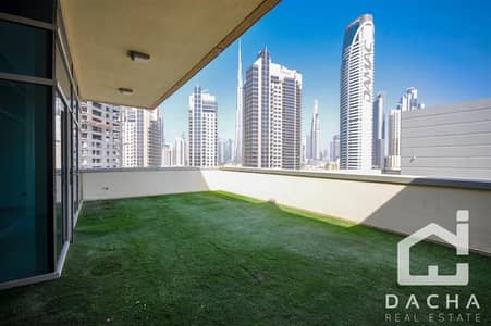 1 Bedroom Flat for Rent in Business Bay, Dubai - Huge Private Terrace and Burj Khalifa view