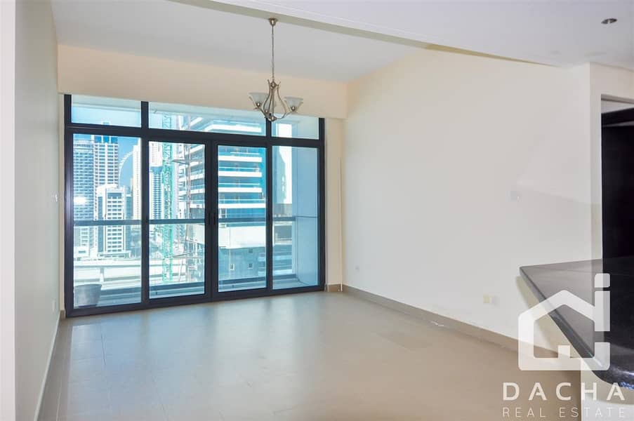 2 Call Now / Unfurnished Apartment / Ready to View