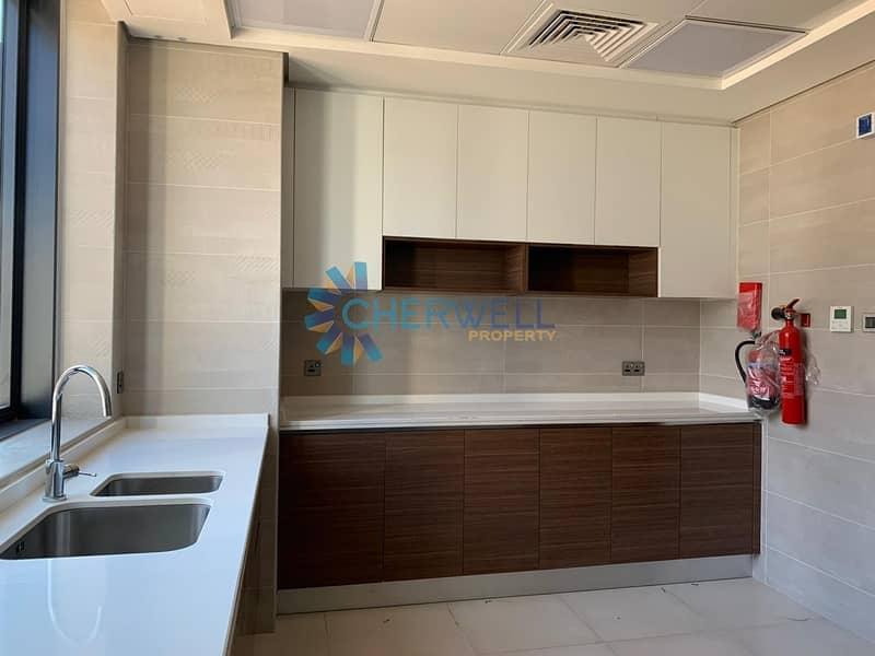 2 Single Row | Corner Unit | Luxurious Villa In Yas Island