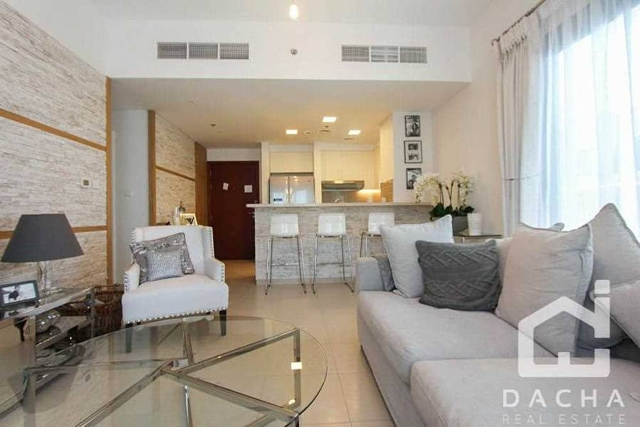 2 Beautifully furnished // upgraded family home