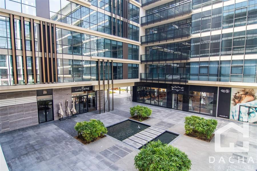 27 Exclusive Fully furnished 2+M opp Mall