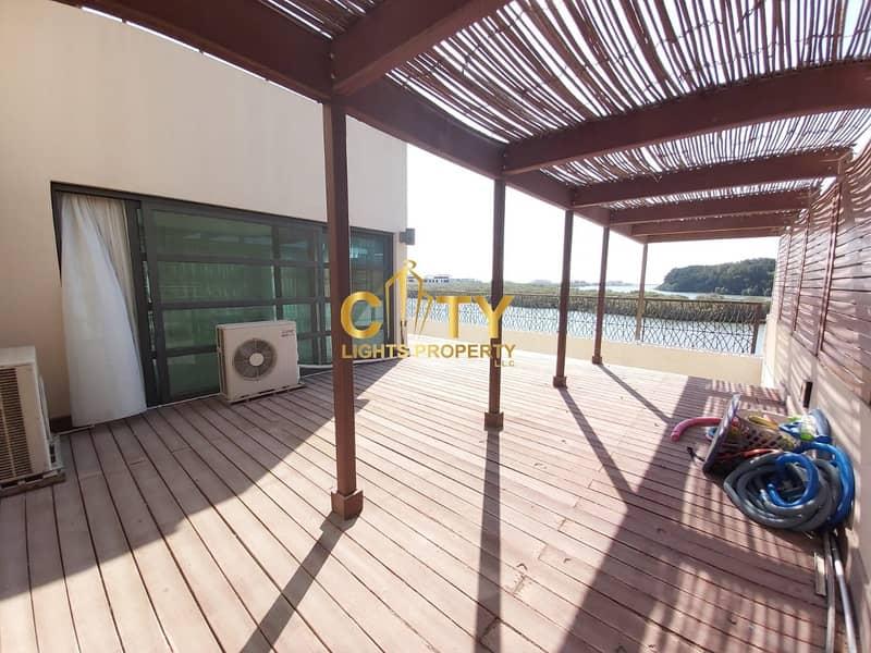 27 Unique 5BR Waterfront Villa | Swimming Pool