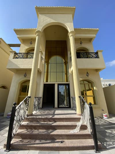 5 Bedroom Villa for Sale in Al Mowaihat, Ajman - For sale a big villa with elegant decorations and big yard, freehold for all nationalities