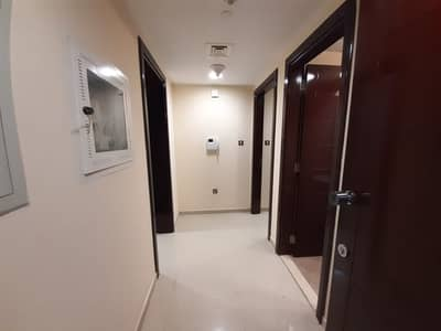 شقة في شارع المينا منطقة النادي السياحي 2 غرف 55000 درهم - 4907308
