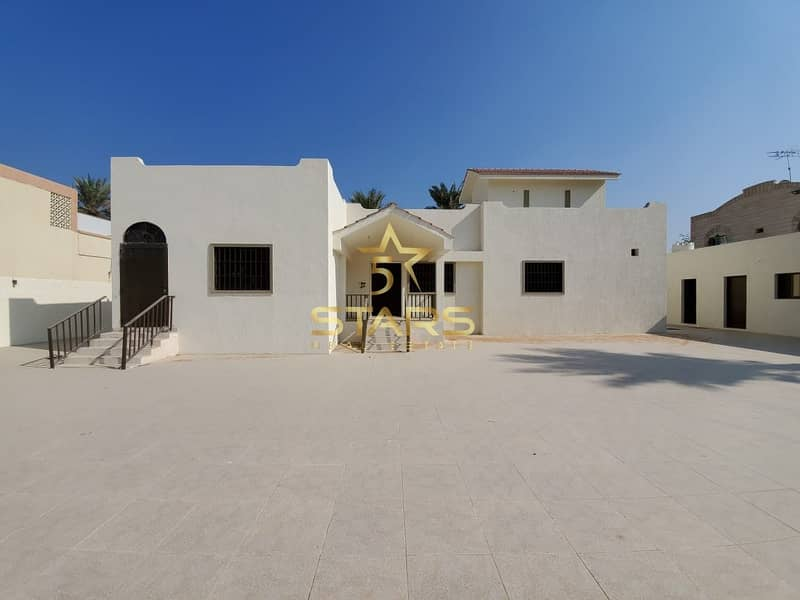 For Sale | Huge 5 Bedroom House | with Warehouse